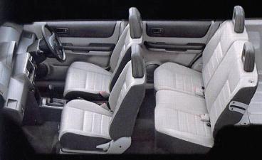 日産 エクストレイル Xtt (2002年10月モデル)