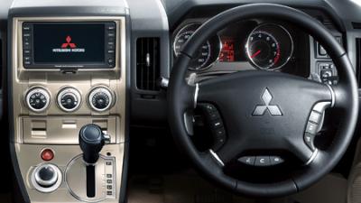 三菱 デリカD:5 G ナビパッケージ (2007年1月モデル)