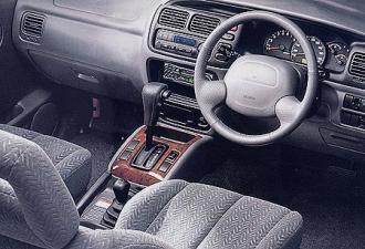 スズキ エスクード 3ドア 2.0 (2000年12月モデル)