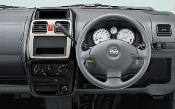 スズキ ワゴンRソリオ 1.3E (2002年11月モデル)
