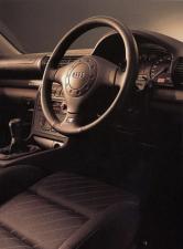 アウディ A4 1.8 (1995年10月モデル)