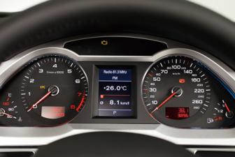 アウディ A6 2.8FSIクワトロ (2010年8月モデル)