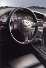 アウディ S6 クワトロ (1995年10月モデル)