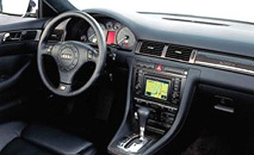 アウディ S6 ベースグレード (2002年9月モデル)