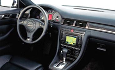 アウディ S6 クワトロ (2003年1月モデル)