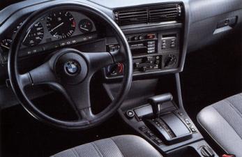 BMW 3シリーズ 325i (1990年11月モデル)