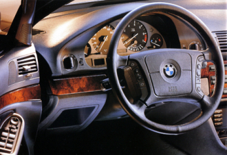 BMW 5シリーズ 525iハイライン (1998年3月モデル)