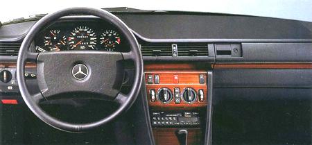 メルセデス・ベンツ ミディアムクラス 300E 4マチック (1989年10月モデル)