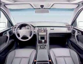 メルセデス・ベンツ Eクラスステーションワゴン E320 4マチック ステーションワゴン アバンギャルド (1999年10月モデル)