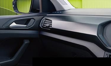 フォルクスワーゲン T-クロス TSI スタイル (2021年9月モデル)