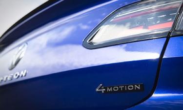 フォルクスワーゲン アルテオン シューティングブレーク TSI 4モーション Rラインアドバンス (2021年7月モデル)