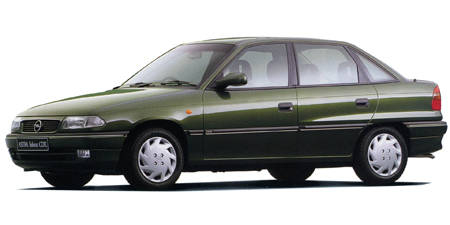 オペル アストラ サルーンCDX (1996年10月モデル)