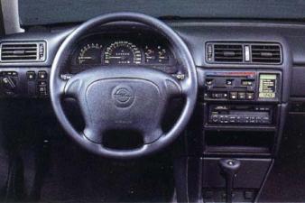 オペル ベクトラ GLS (1994年10月モデル)