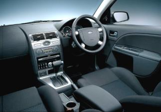 ヨーロッパフォード モンデオ モンデオセダンV6 GHIA (2004年4月モデル)