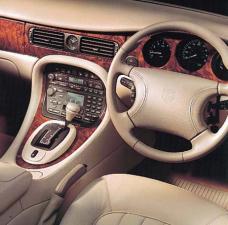 ジャガー XJ XJ エグゼクティブ4.0-V8 (1999年10月モデル)
