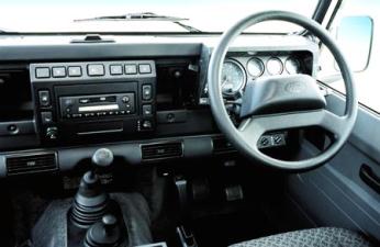 ランドローバー ディフェンダー 110SW (2002年4月モデル)