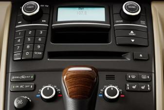 ボルボ XC90 3.2 AWD SE (2011年10月モデル)