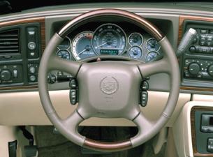 キャデラック キャデラックエスカレード ベースグレード (2004年1月モデル)