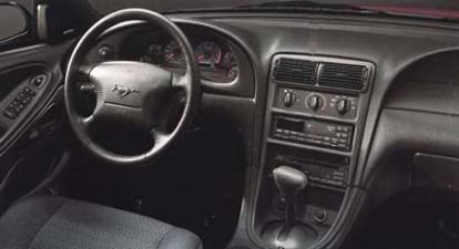 フォード マスタング GTコンバーチブル (2002年1月モデル)