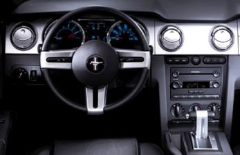 フォード マスタング V8 GTクーペ プレミアム (2006年6月モデル)