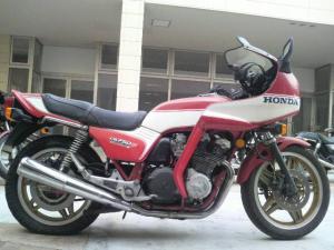 ホンダ/CB750Fボルドール