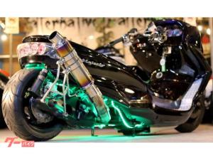 ヤマハ/マジェスティCマッドスピード製エアサス40ワンオフロンホイ七色LED強力ストロボ前後ブレンボHIDガトリングライト