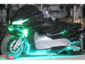ホンダ/フォルツァ・Zエタニティ製30ロンホイ七色全身LEDスピーカーHIDシャコタン特注とぐろマフラー日章旗グリーンバッジフルカスタム
