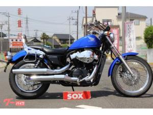 ホンダ/VT750S バックレスト装備