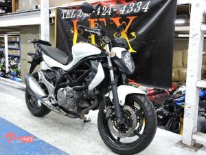 スズキ/グラディウス400 ABS 初年度2012年 ホワイト