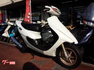 ホンダ/ライブDio ZX 2サイクルエンジン ZEROマフラー付き リヤスポイラー ディスクブレーキ キャストホイール ホワイト