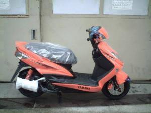 ヤマハ/シグナスX フロントブレーキディスクビック化型 キャブレター式エンジン搭載モデル