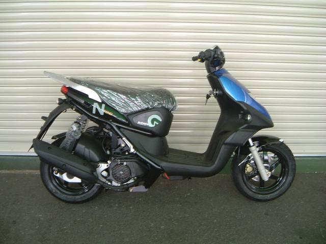 ADIVA N125 ネイキッドデザイン 4バルブ高回転型空冷エンジン搭載モデルの画像(大阪府