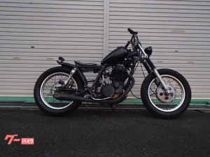 ヤマハ/SR400 ピーナツ・ボバー