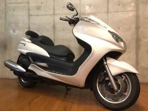 ヤマハ/グランドマジェスティ400 バックレスト装備フロントフェイス装着