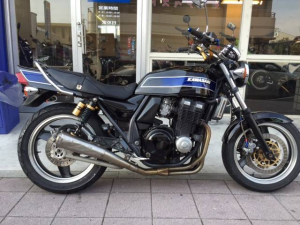 カワサキ/ZRX400-II カスタム