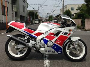 ヤマハ/FZR250R