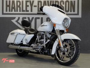 HARLEY-DAVIDSON/FLHXS ストリートグライドスペシャル 2017年モデル クルコン パッセンジャーバックレスト ハイウェイペグ スペアキーあり