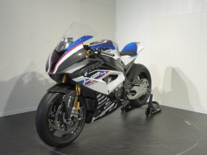 BMW/HP4 Race