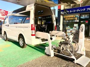 トヨタ レジアスエースバン  ウェルキャブ Bタイプ 4WD 車椅子2名 10人乗り ルームミラー内臓バックモニター付 ルーフサイドウィンドウ