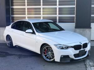 BMW 3シリーズ 320d Mスポーツ Mパフォーマンスブレーキシステム Mパフォーマンステールレンズ Mパフォーマンスエアロ