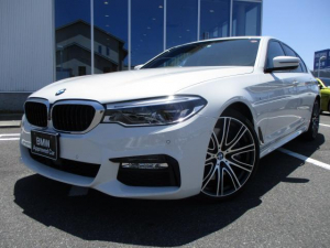 BMW 5シリーズ 540i Mスポーツ ブラックレザーSR20AW 認定中古車