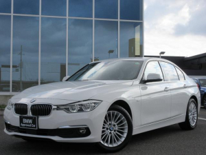 BMW 3シリーズ 320iラグジュアリー LED 17AW ACC 黒レザーシート ウッドパネル コンフォートアクセス 社外フルセグTV PDC Bカメラ 禁煙 認定中古車
