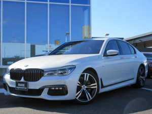 BMW 7シリーズ 740i Mスポーツ レーザーヘッド 20AW 黒レザーシート ガラスサンルーフ ブラックグリル ACC ヘッドアップディスプレイ ハーマンカードン フルセグTV 禁煙 弊社ワンオーナー