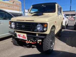 スズキ ジムニー ワイルドウインド 4WD MOMOステアリング ベージュブラックツートン