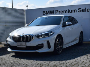 BMW 1シリーズ 118i Mスポーツ アクティブクルーズコントロール 衝突軽減ブレーキ 純正ナビ パーキングアシスト 電動リアゲート 運転席電動シート バックカメラ 後退アシスト 車線逸脱警告 前後純正ドライブレコーダー 18AW
