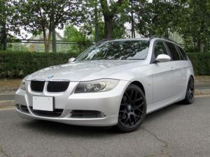BMW 3シリーズ 320iツーリング ハイラインパッケージ ブラックレザーシート シートヒーター パワーシート ウッドパネル バイキセノン 18インチアルミ ローダウン キーレス ETC 禁煙車