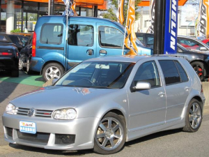 フォルクスワーゲン ゴルフ GTI COX-C18TR-No004 200馬力