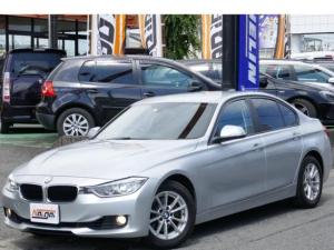 BMW 3シリーズ 320i コンフォートアクセス・HDDナビ・DVD/CD/MSV/ブルートゥース・リヤソナー・バックカメラ・ETC・キセノン・禁煙車・リヤフィルム・純正16AW・オートライト・オートワイパー・Wパワーシート