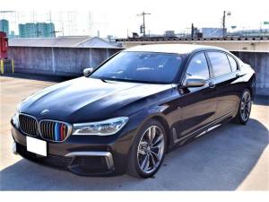 BMW 7シリーズ M760Li xDrive アンビエントエアパッケージ・エグゼクティブラウンジシート・パノラマスライディングルーフ・フルセグ・リヤエンター・マッサージ機能有・全方位カメラ・ディスプレイキー有・HUD・純正20AW・TVナビ