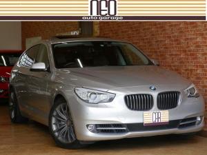 BMW 5シリーズ 535iグランツーリスモ パノラマルーフ ケレナーズ19AW(純正あり)  禁煙 TVキャンセラー ドラレコ スペアキー 取説 整備記録 リアスモーク コンチネンタルタイヤ 天井布垂れなし